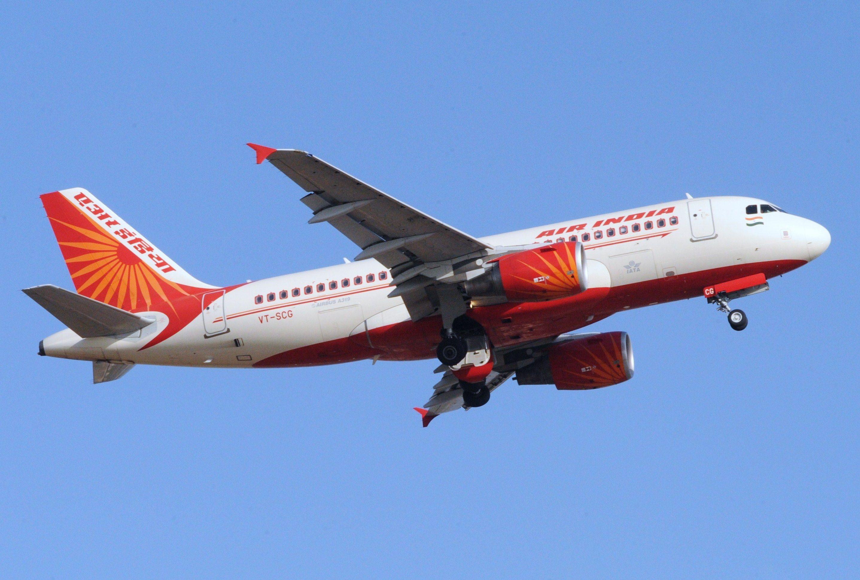 Авиакомпании Air India и FlyNas получили разрешения на выполнение регулярных рейсов в Узбекистан